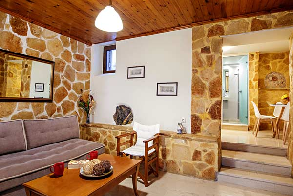 Mirthios apartments - Relax in the comfortable sitting rooms